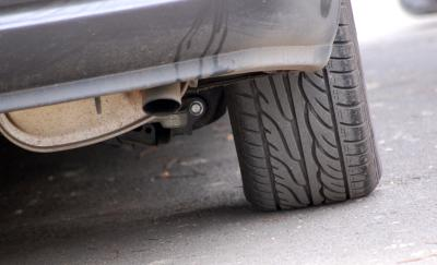 Download free car transport tire image