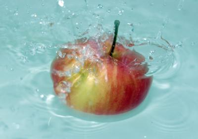 Download free red water apple image