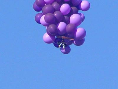 Download free blue sky balloon image
