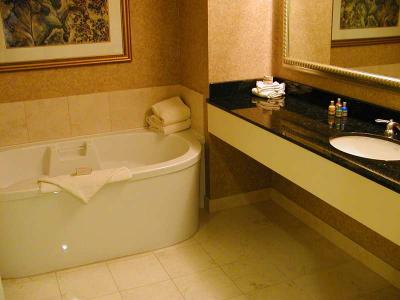 Download free bathtub bathroom image