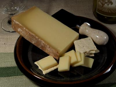 Download free cheese plate food knife image