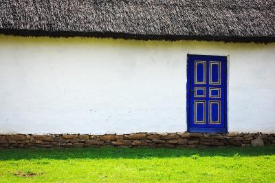 Download free grass building door image