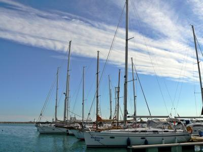 Download free blue sky cloud boat harbour image