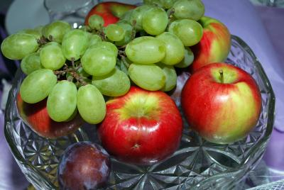 Download free fruit food apple grapes image
